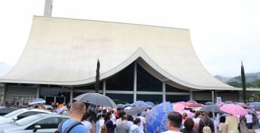 Paróquia de Brusque realiza caminhada penitencial até o Santuário