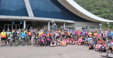 Grupo de 150 ciclistas visita o Santuário